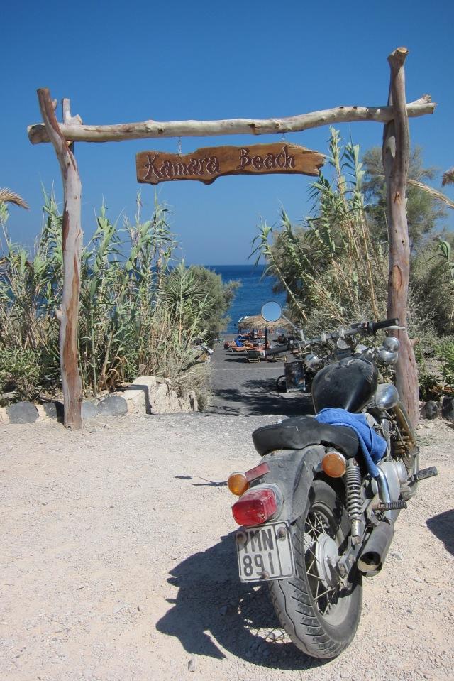 santorini kamara beach